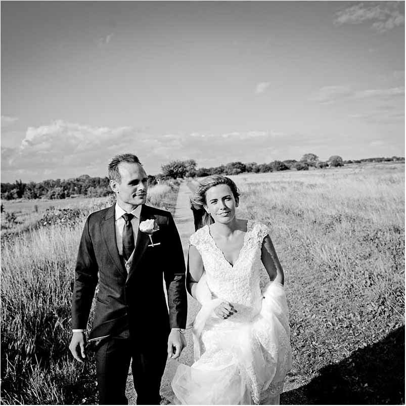 Bringing a creative style of documentary photography into wedding celebrations