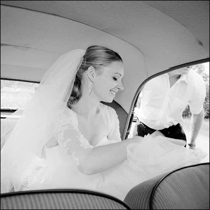 brud i brudebilen