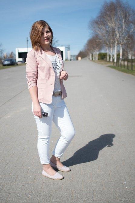 weisse jeans rosa blazer ein blazer drei looks