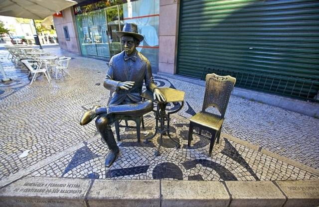 Qual a origem da língua portuguesa? Do latim às influências árabes e às novas palavras obtidas nos descobrimentos, conheça a história do português.