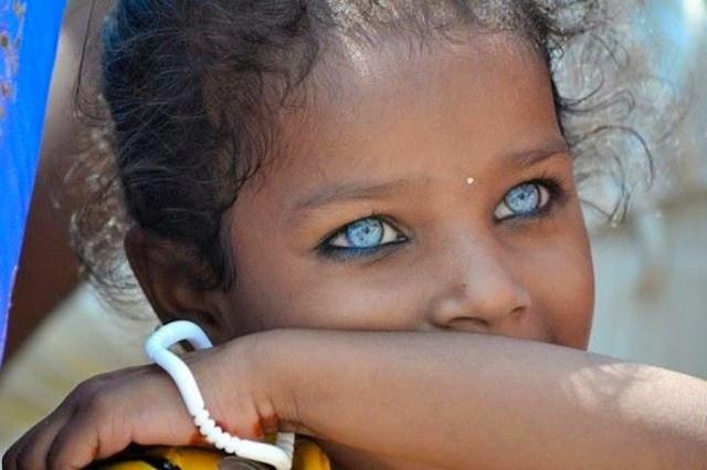 Criança de Lamno, Indonésia