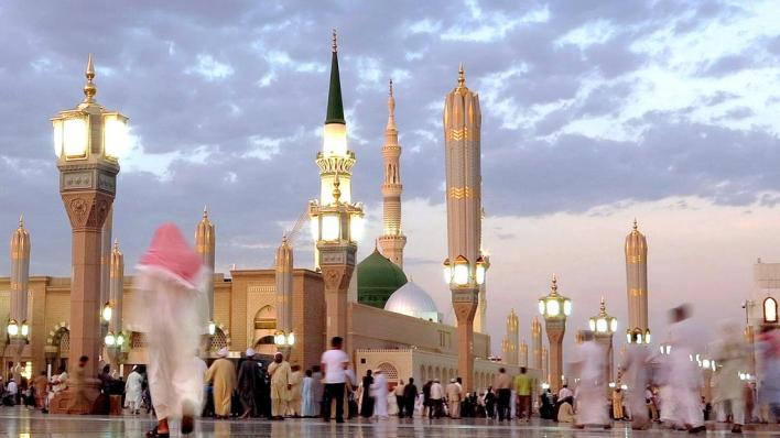 Masjid e Nabvi Prophet's Mosque in Madinah to reopen after corona virus lockdown closure