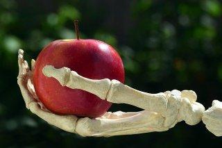 pomme rouge empoisonnée