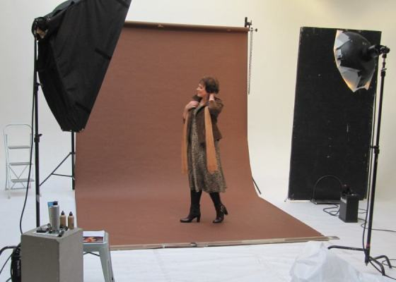 Nadine pose pour la séance photo relooking couleurs
