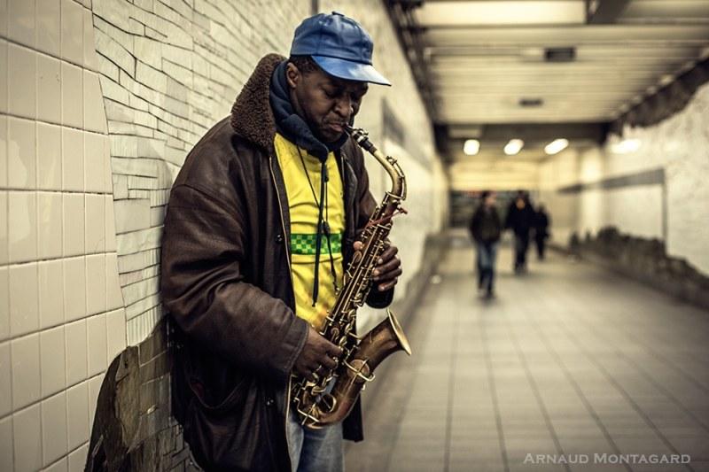 Joueur de saxophone dans le métro de New-York