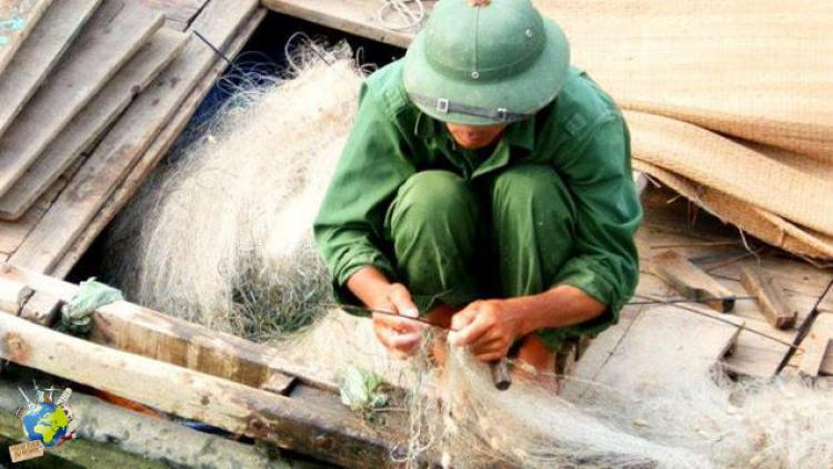 baie d'Halong pêcheur logo