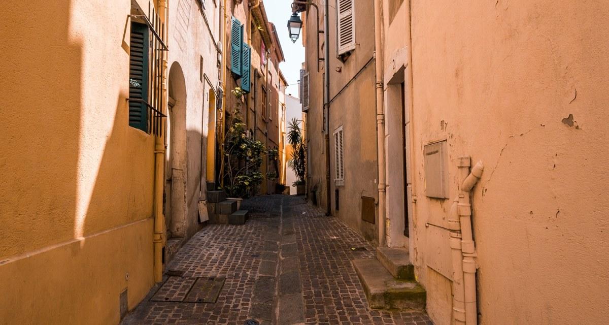 Le quartier du Suquet à Cannes
