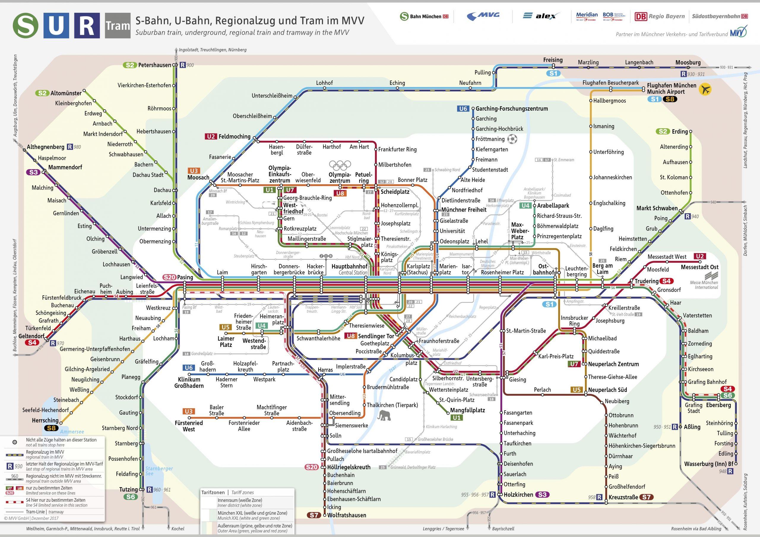 Mapa com as linhas de transporte público de Munique