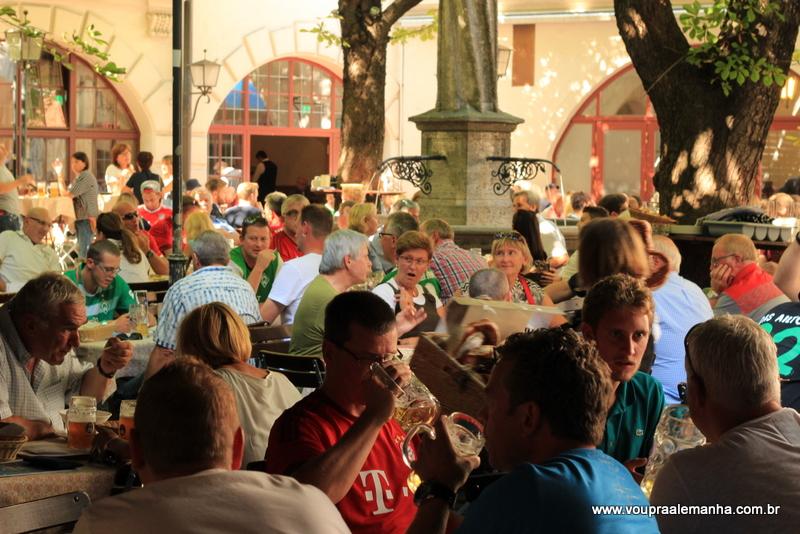 Biergarten da Hofbräuhaus