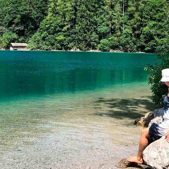 A cor impressionante da água do Alpsee
