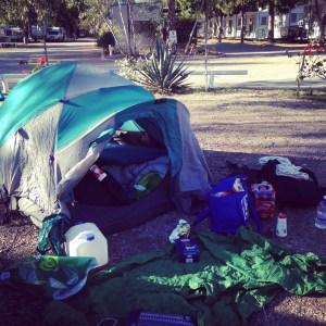 Campement de 2 baroudeuses - Alice Springs