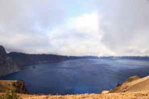 Crater lake sous une éclaircie - Oregon