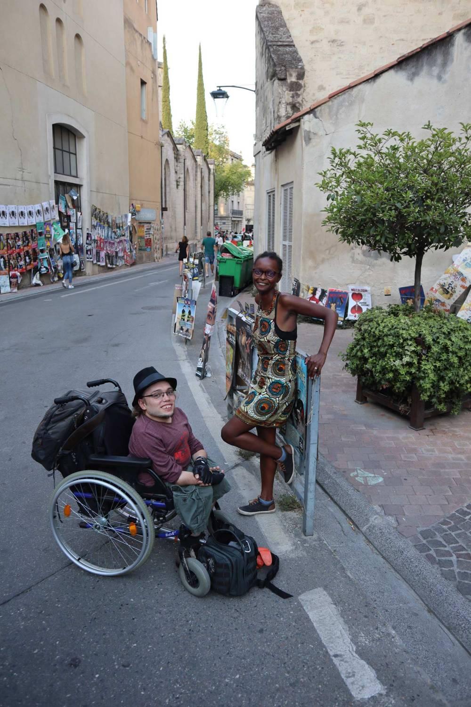 Kevin et Maya ont monté leur entreprise et sont basés à Avignon. Ils restent cependant semi-nomades.