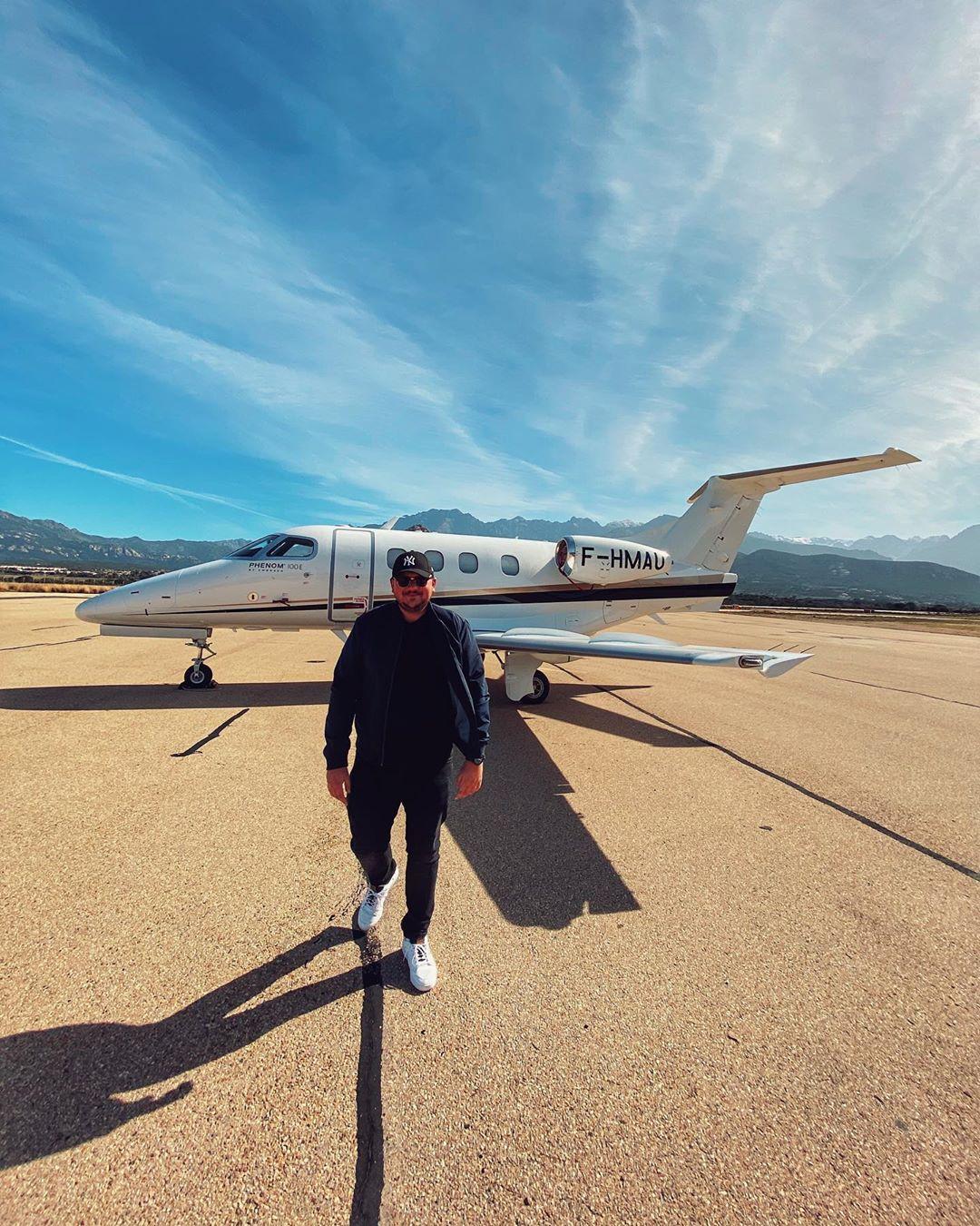 Loris Monteux passionné d'aviation et de voyages.