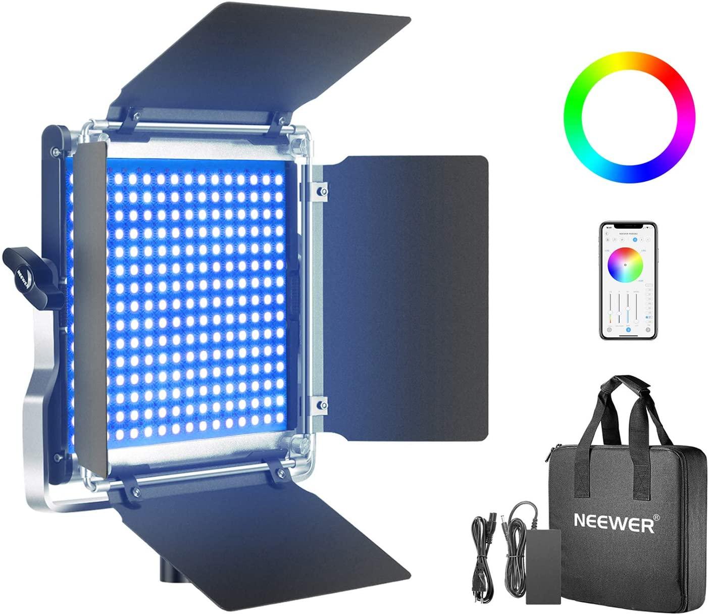 La lampe neewer : tu peux choisir la teinte qui t'intéresse ou un effet spécial. une solution abordable et très efficaces pour éclairer ton studio d'enregistrement !