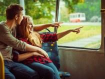 Louer un bus avec chauffeur pour vos déplacements en groupe : les avantages