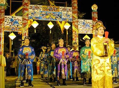 La cérémonie du culte de Dàn Xa Tac