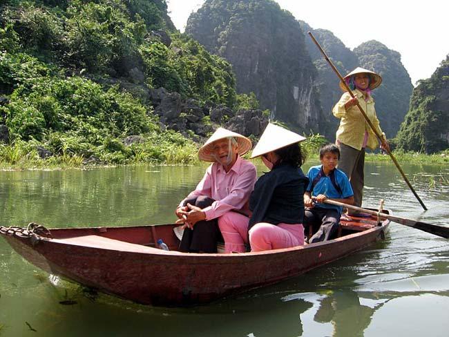 Ninh Bình, la baie d'Halong terrestre et Hoa Lu