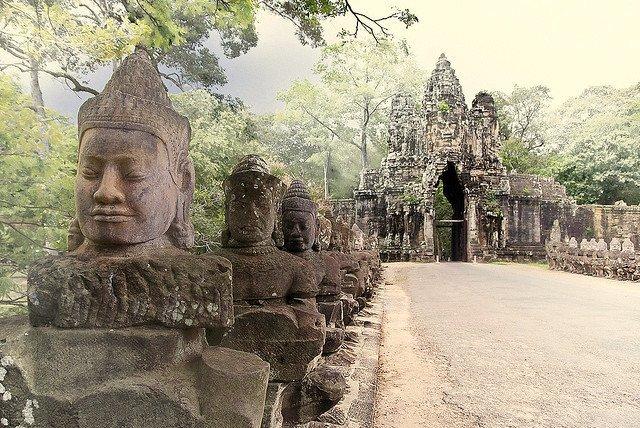 Circuit-Croisière d'Angkor à Saigon 4*