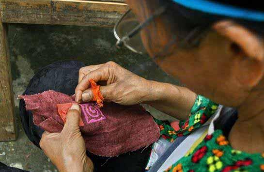 Tisseuses de chanvre de Lung Tam -Vietnam