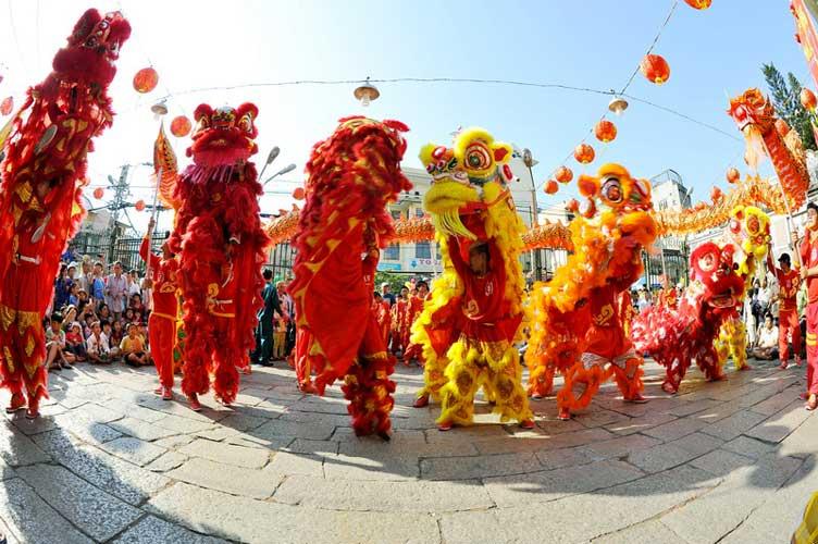 Festival de danses de la licorne et du dragon - Can Tho, Vietnam
