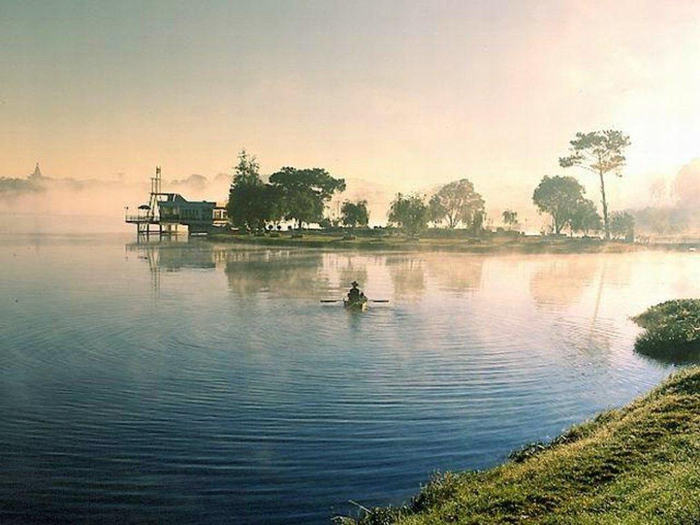 Lac Xuan Huong, Da Lat - Photo by Hoang The Nhiem