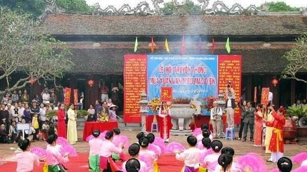 Fête traditionnelle tenue - Temple de la Littérature de Mao Diên, Câm Giang, province de Hai Duong, Vietnam