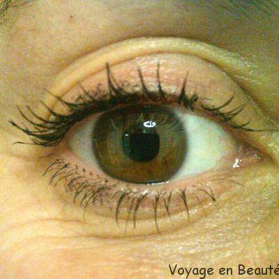 Benefit They're real ! test et avis par voyage en beauté