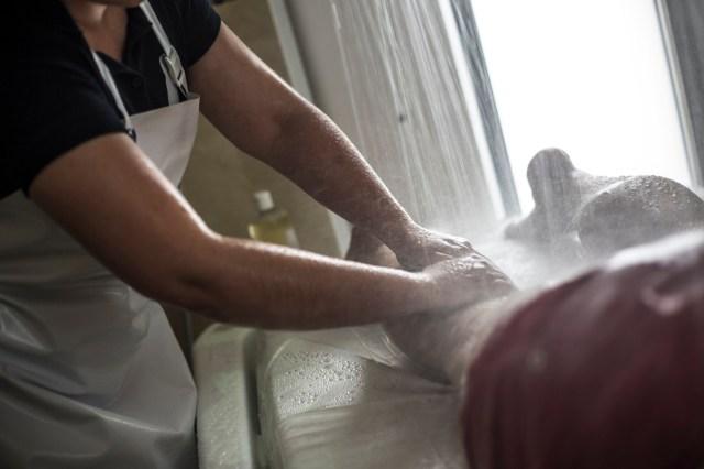 fabuleux soin signature : le massage sous affusion Douche de Vichy (L'Originale) à 2 mains