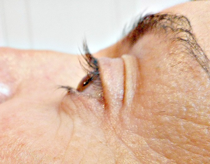test-rehaussement-permanente-cils-atelier-isa-coiffure-perigueux