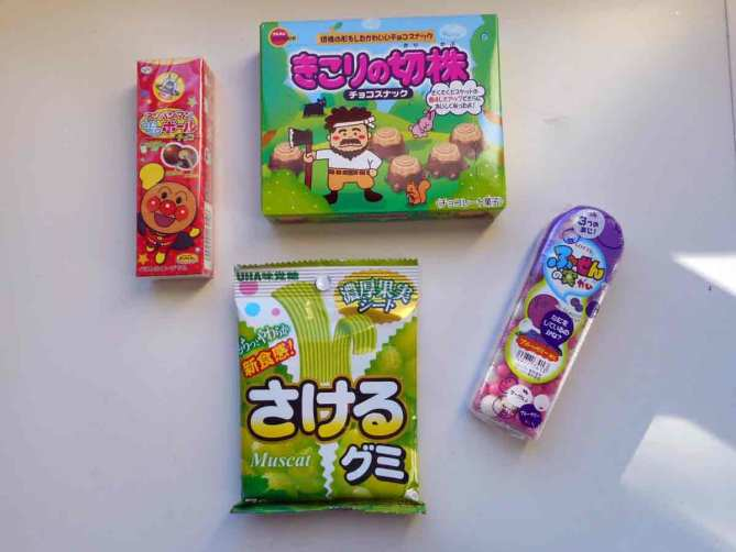 okashi-connection-box-candy-treats-snacks-confiseries-japonaises-avis