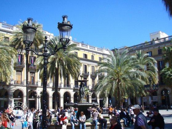 barcelone-en-famille-plaza-reial