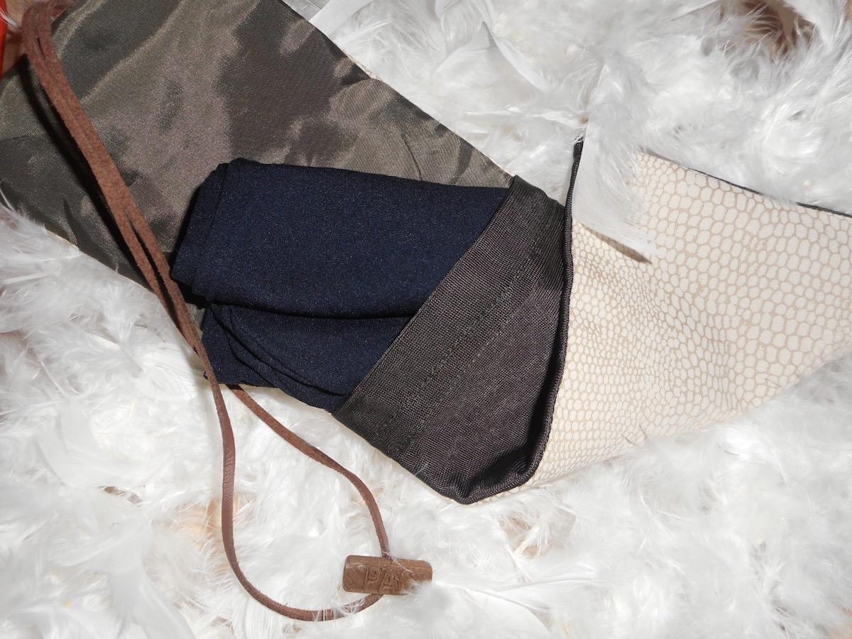 PAC-pochette-a-collants-accessoire-mode-voyage-test.jpg