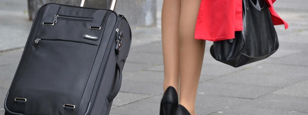 astuces-anti-jambes-lourdes-avion-thrombose-voyage-beaute