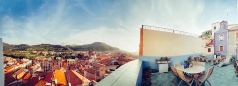 terrasse-zen-panoramique-blu-bosa-sardaigne-blog-voyage