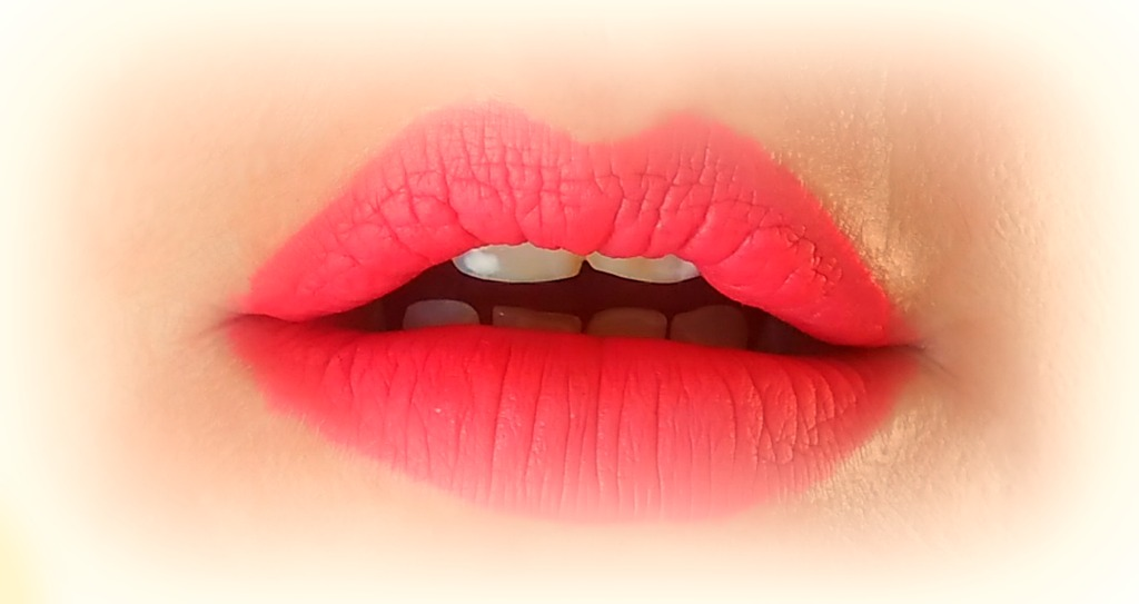 amaryllis-sydney-matte-lip-liquid-the-body-shop-test-swatch-3