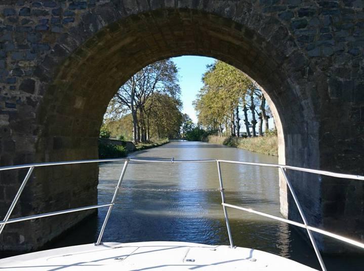 croisiere-canal-midi-peniche-marseillan-agde-avis-promo-pont-1