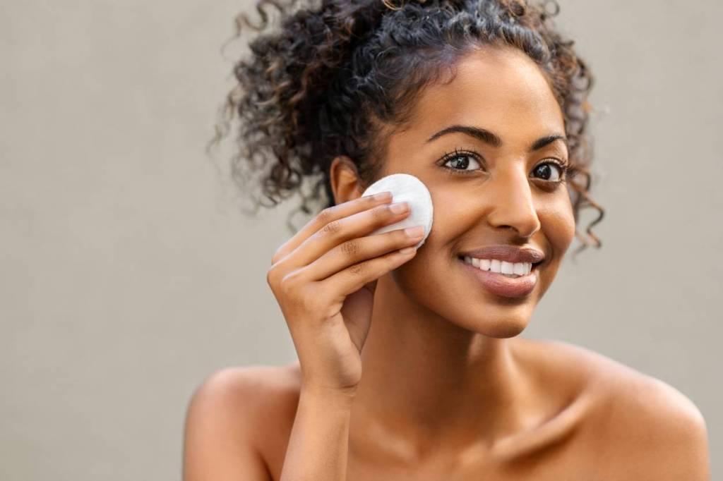 Quel type de produit choisir pour nettoyer son visage ?
