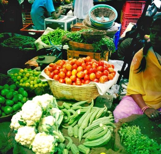 udaipur-market-tomatoes