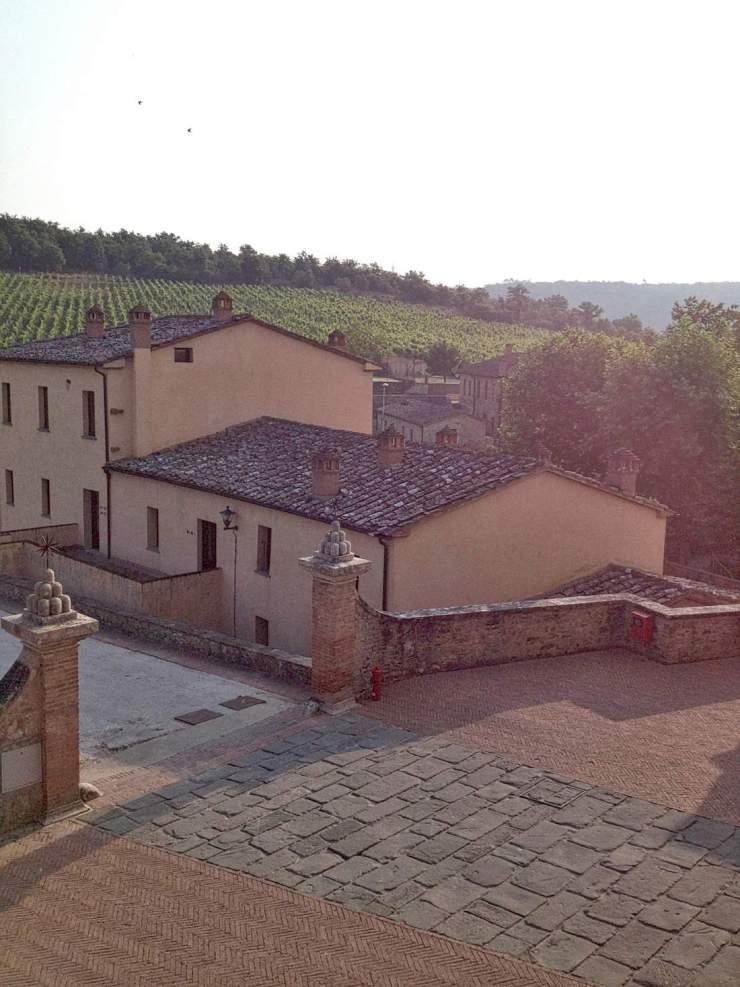 castel-monastero-grounds