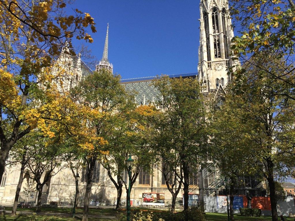 Vienne-Eglise-Votive-1