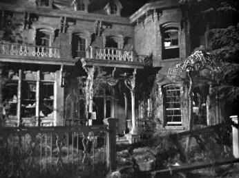Its-a-Wonderful-Life-George-Baileys-house-deserted