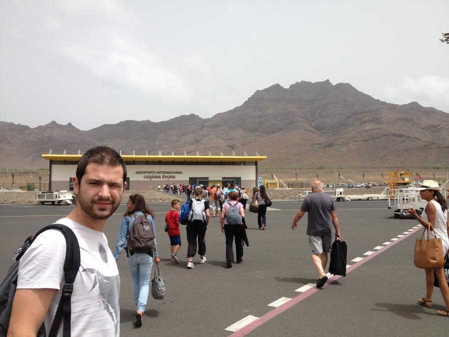 Arrivée à l'aéroport Cesaria Evora - São Vicente, Cap-Vert