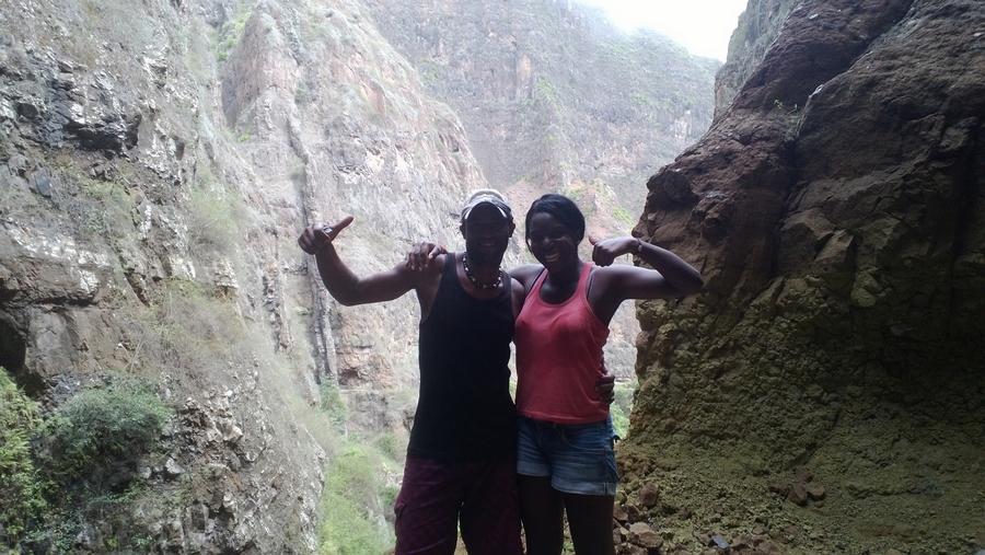 Nath et Arlindo à la cascade de Xoxo - Santo Antão, Cap-Vert