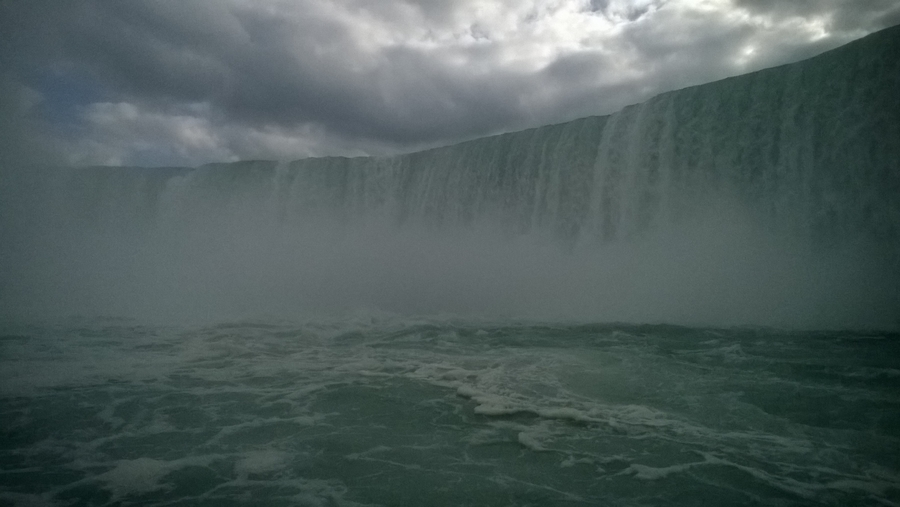 Wall of water, Niagara Falls - Canada