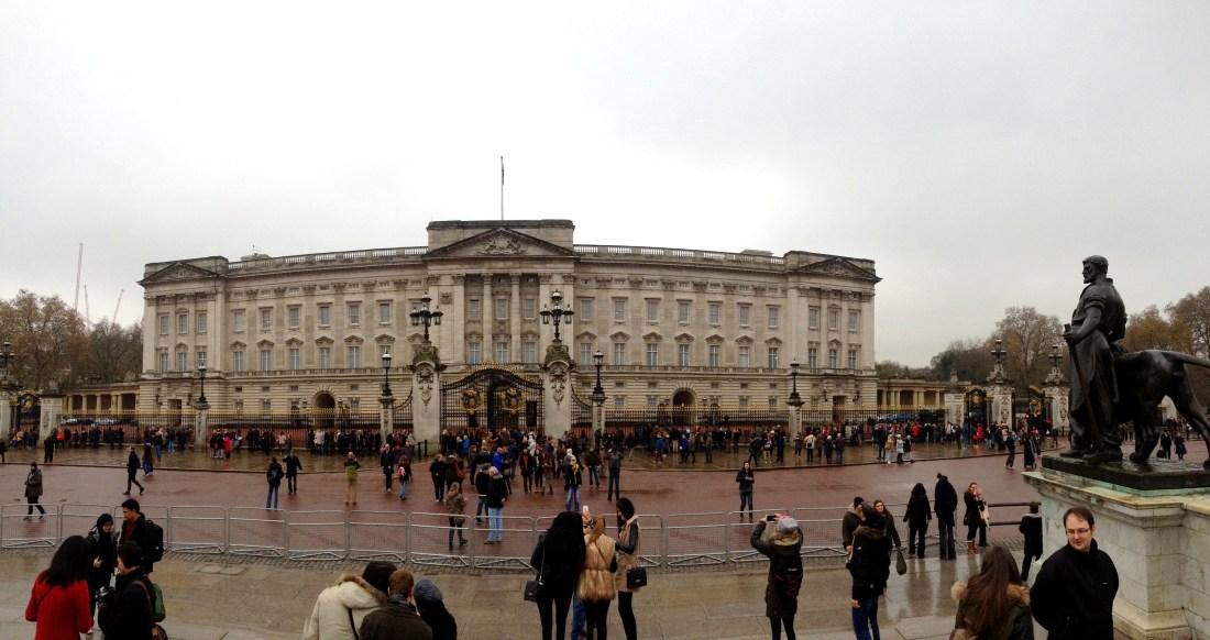 Buckingham Palace panorama - Londron, England