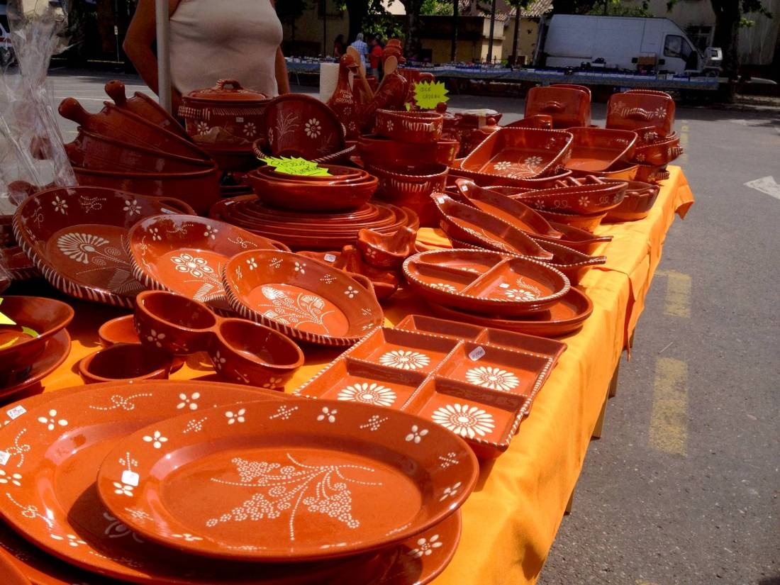 Clay dishes stall at the market - Saint-Hippolyte-du-Fort, France