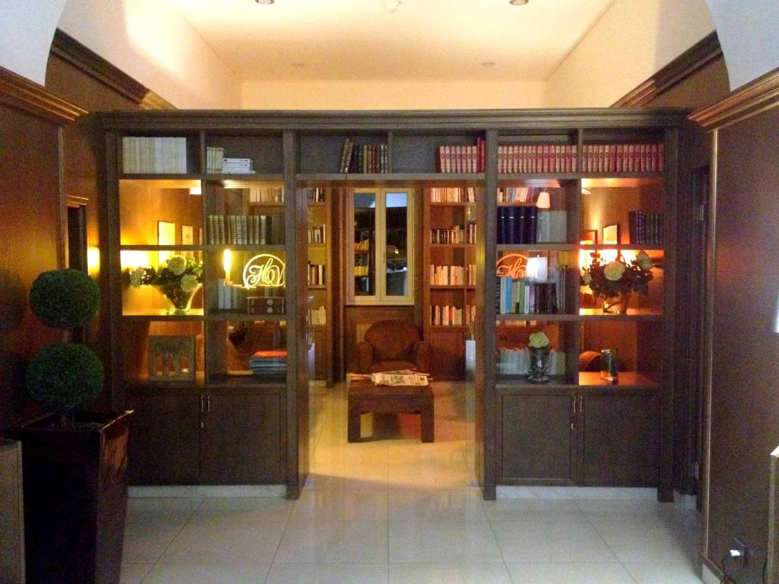 Library of the les Voyageurs Hotel - Bastia, Corsica