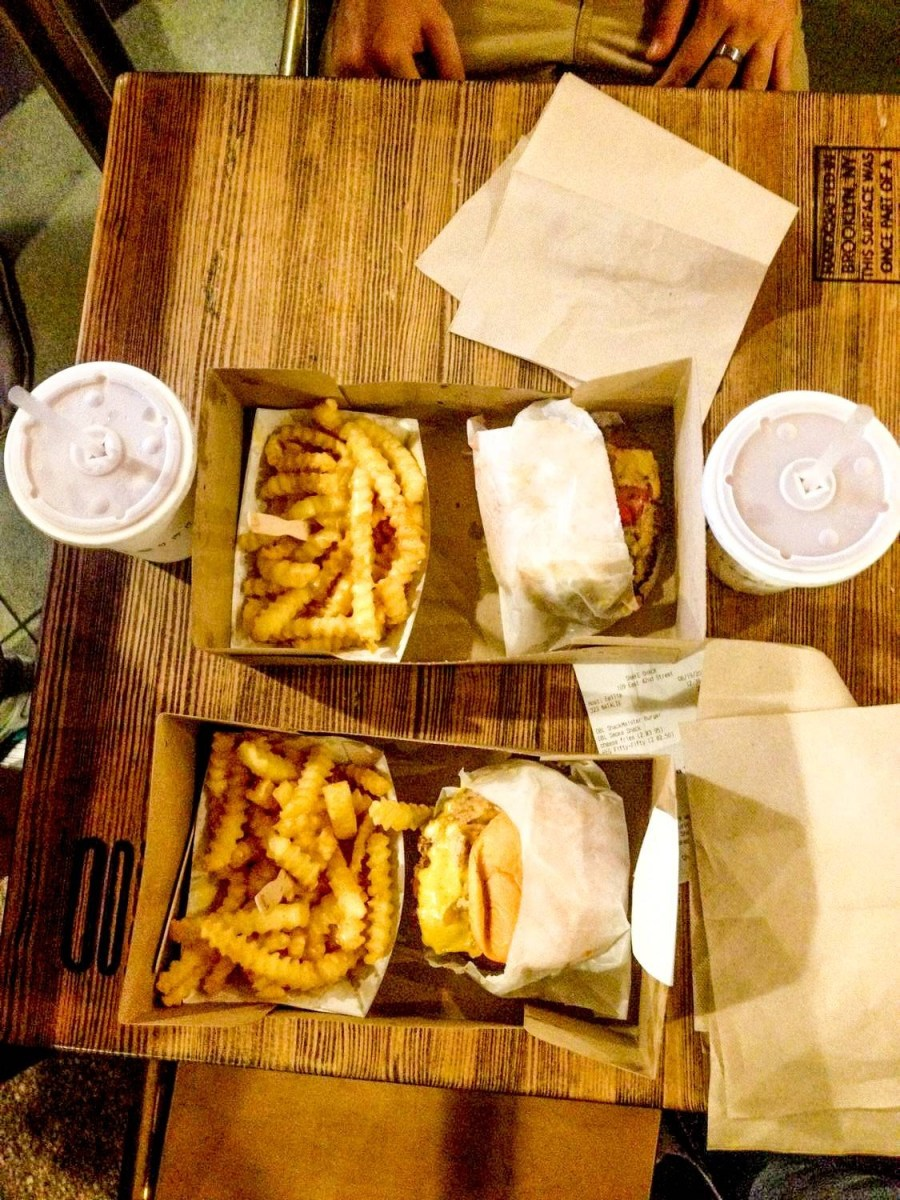 Nos burgers de chez Shake Shack - New York City, USA