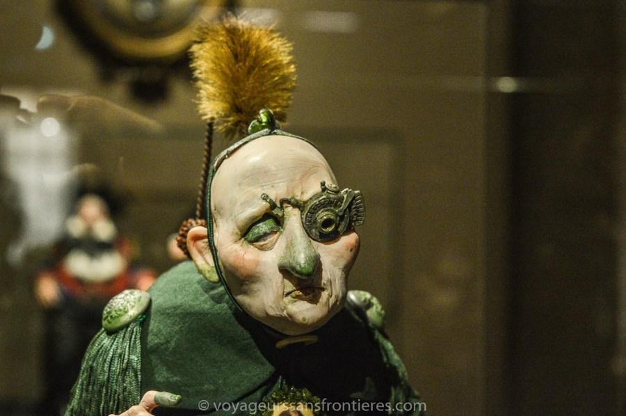 Une poupée extravagante au Musée Miniature et Cinéma - Lyon, France
